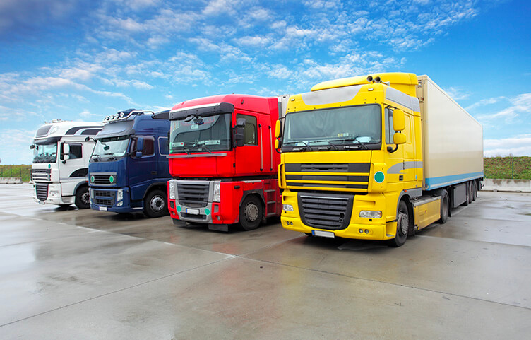 Lastkraftwagen / Sonderaufbauten